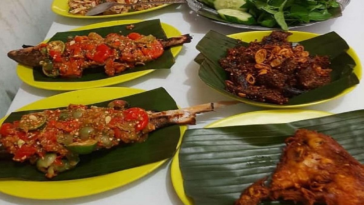 Rumah Makan Dapoer Mitoha Sajira Lebak Banten